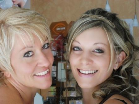 Je vous présente la Mariée et sa maman, alias ma tante ... :-)